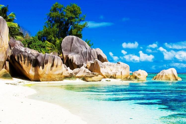 Pantai Terindah di Indonesia Ini Bisa Menjadi Lawan Berat Maldives!